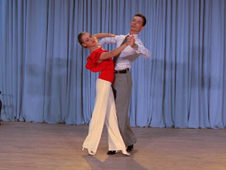 Learn To Dance The Slow Foxtrot With Ballroomdancers Com